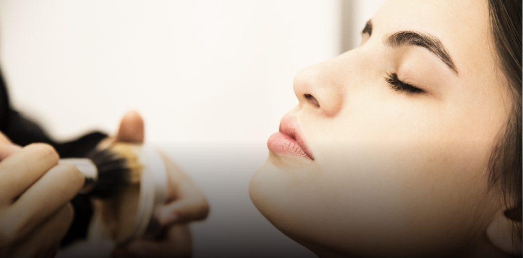 Maquiagem perfeita: como disfarçar pele seca e descamada